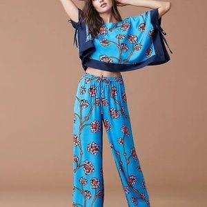 Diane Von Furstenberg 2 piece pants set